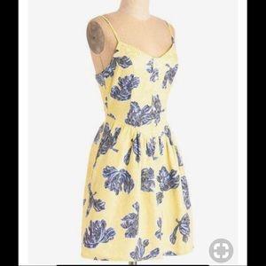 Modcloth Floral Dress w/ POCKETS! Sz 6
